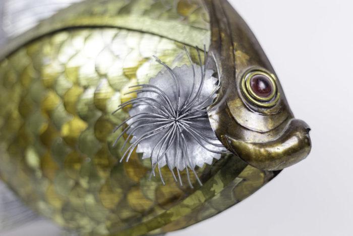 poisson feuilles cuivre étain laiton détail