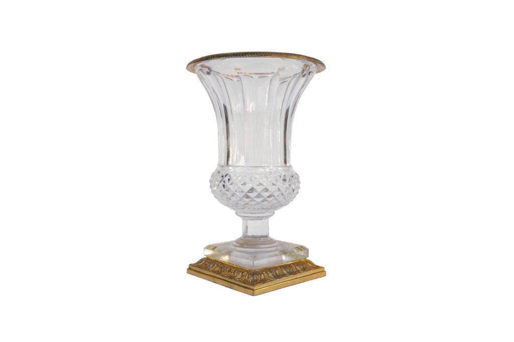 Vase Médicis en cristal taillé et bronze doré, années 1950