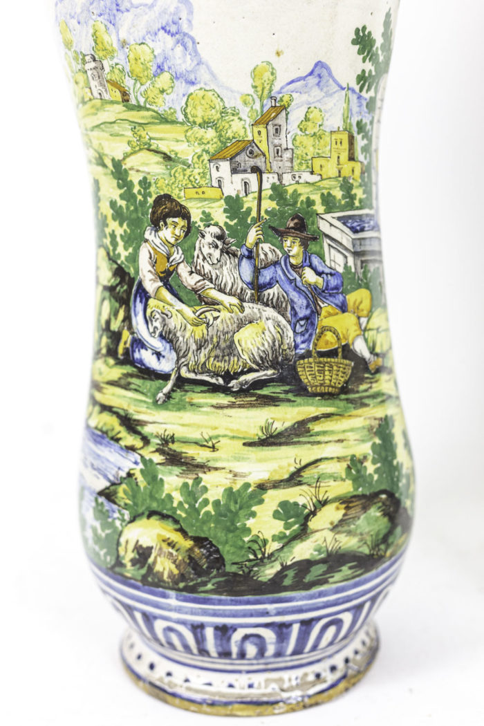 vases faïence polychrome scène champêtre