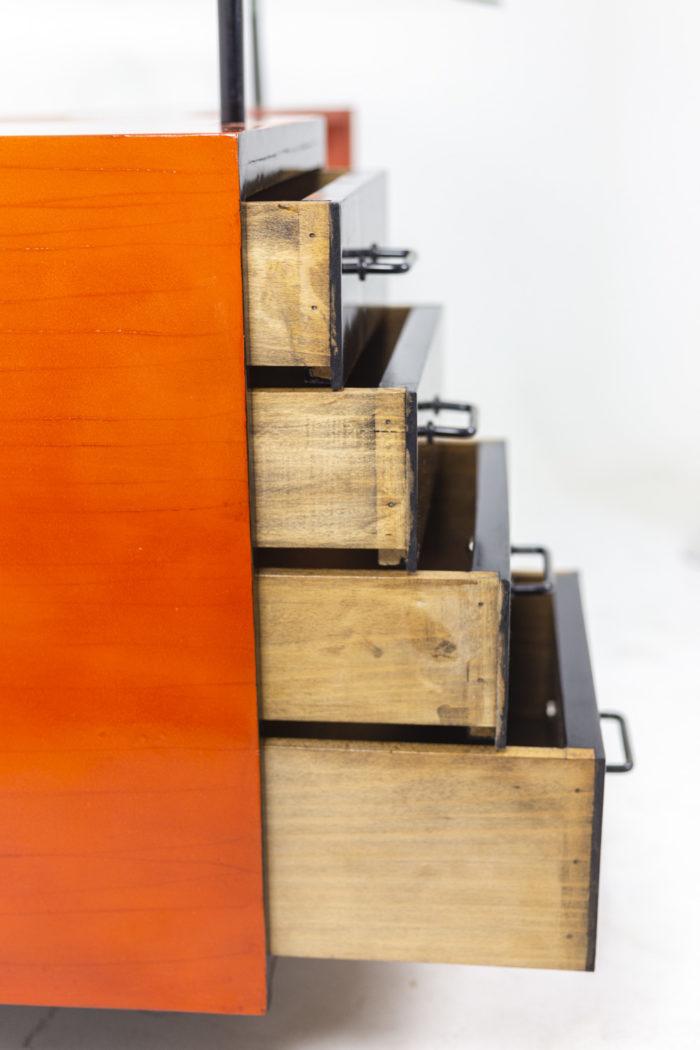 Bureau à caisson laqué tiroirs ouverts