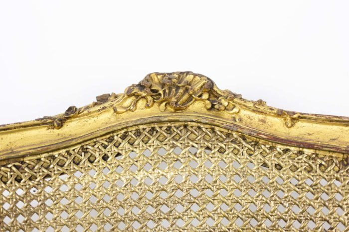Marquise Louis XV en bois doré détail dossier 1