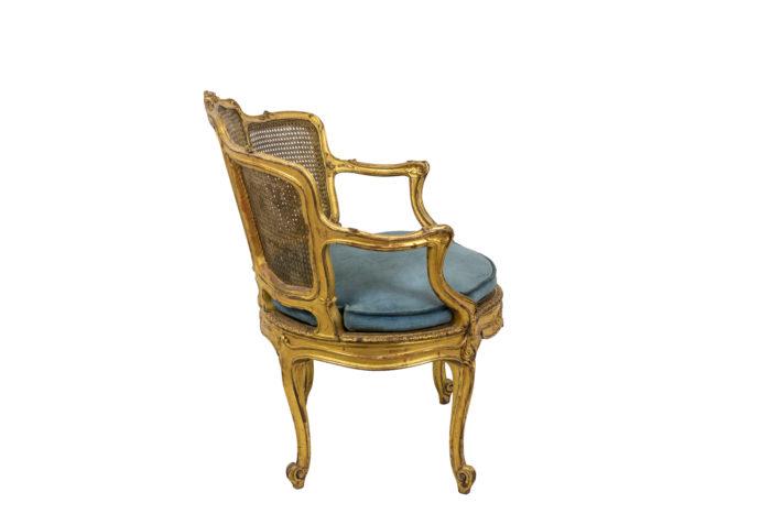 Marquise Louis XV en bois doré profil