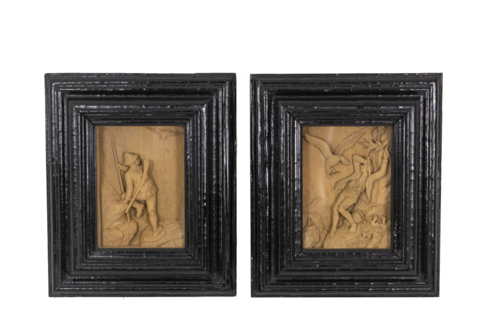 Tableaux en bois sculpté face