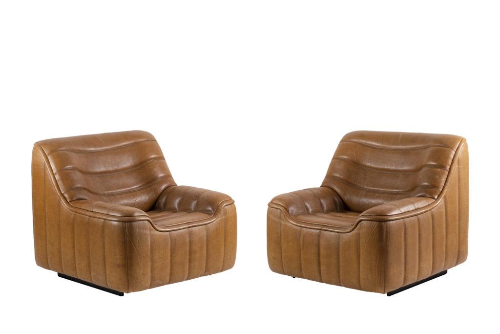 De Sede, Paire de fauteuils DS-46 en cuir marron, années 1970
