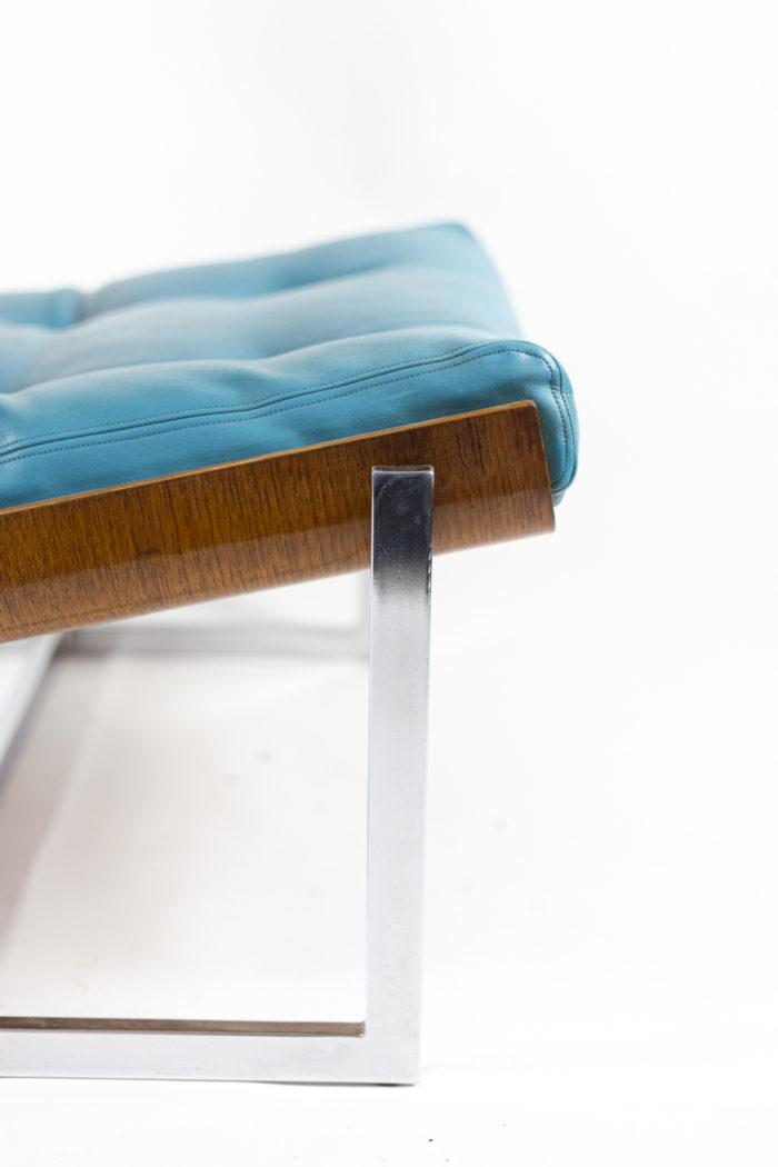 fauteuils cuir bleu contreplaqué métal chromé détail