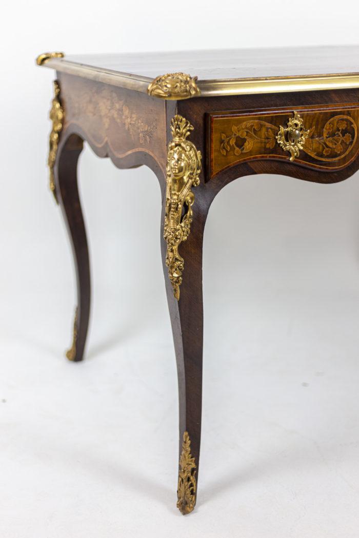 Bureau marquété style Louis XV pied