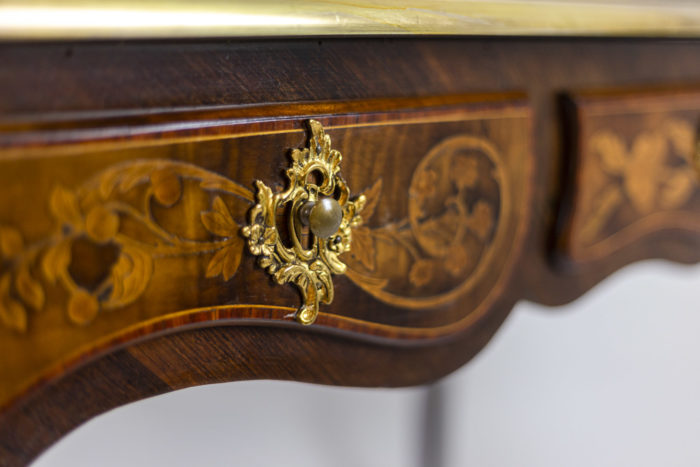 Bureau marquété style Louis XV tiroir