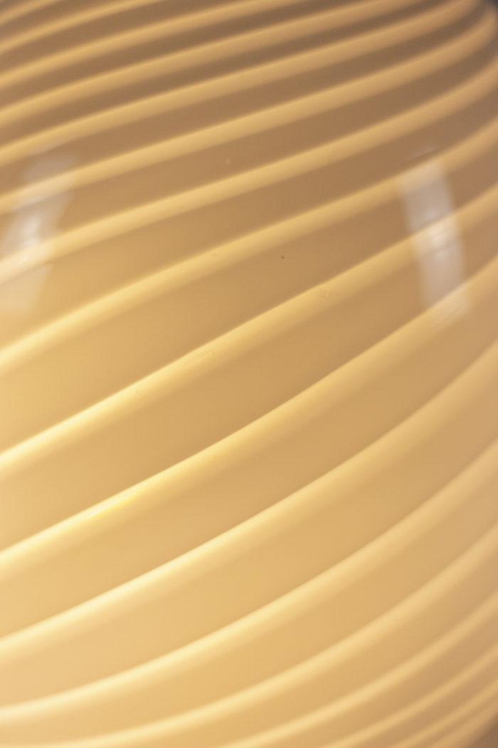 Lampe œuf détail verre 1