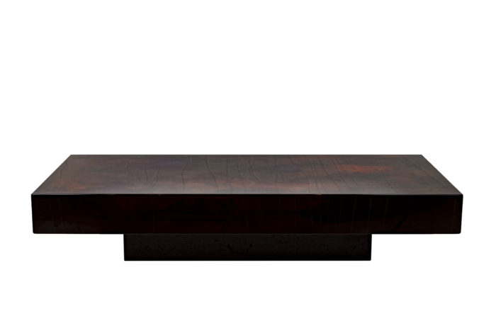 Table basse laque rouge-noir face