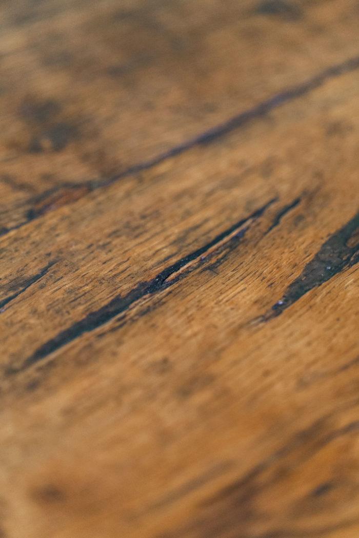 Grande table de salle à manger face détail plateau 3