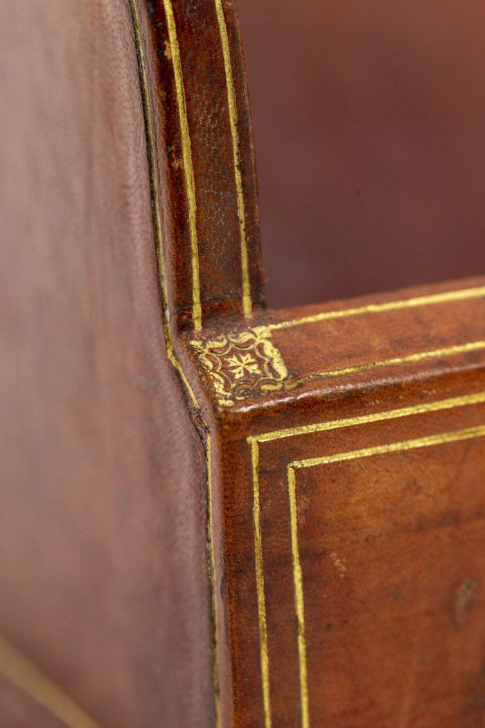 Porte-lettres en cuir détail 1