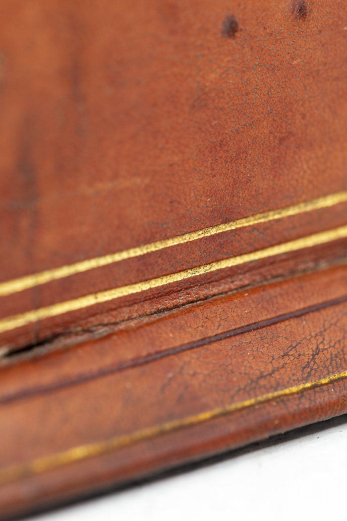 Porte-lettres en cuir détail 2