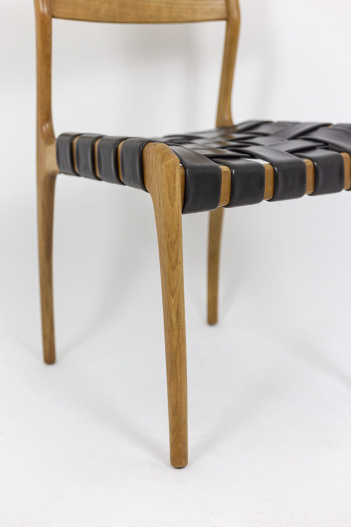 Chaise scandinave, pied