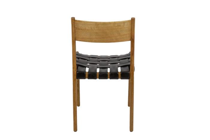 Chaise scandinave, vue de dos