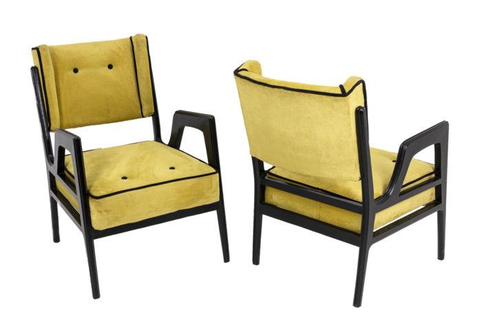 Paire de fauteuils à oreilles jaunes