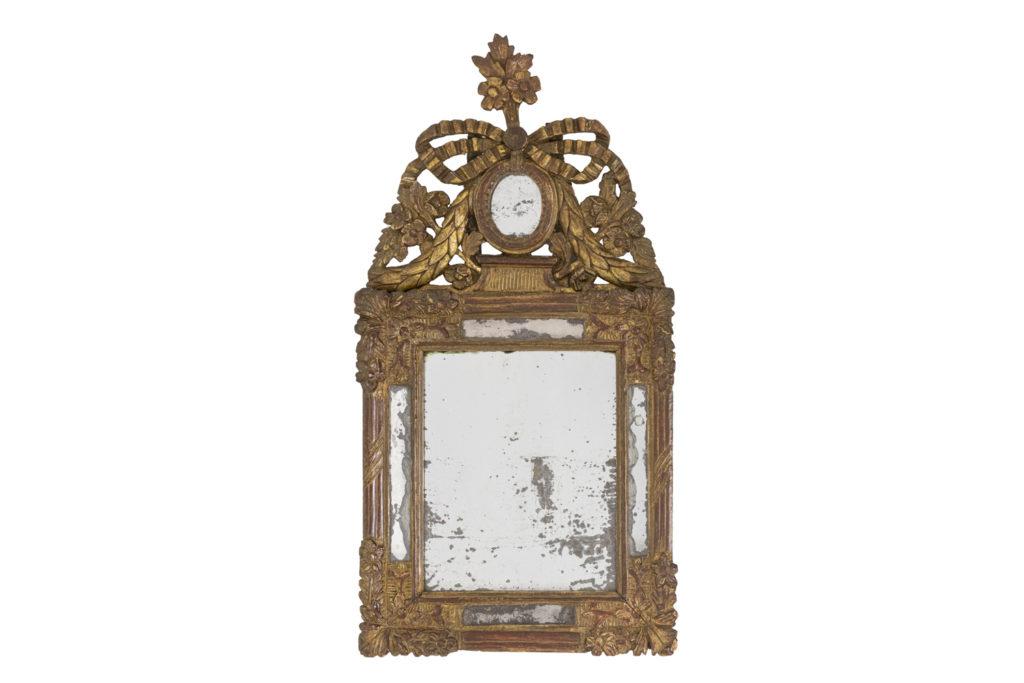 Petit miroir en bois doré, époque Louis XVI (1774-1793)