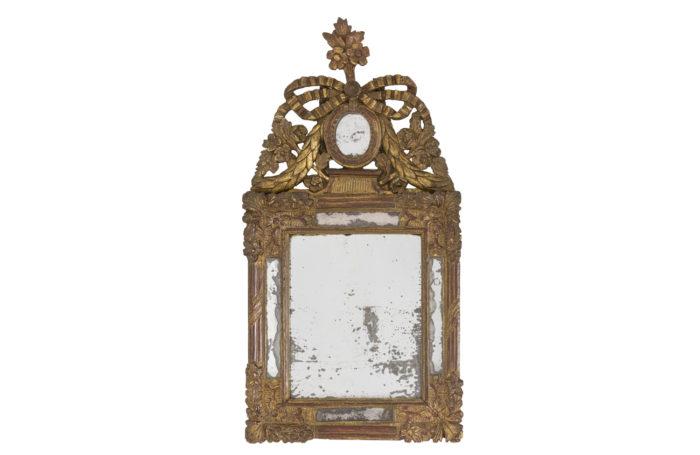 Little style mirror 1