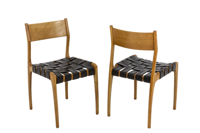Chaise scandinave, deux chaises trois quarts