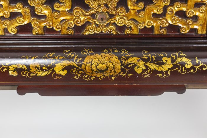 Chinese style desk 2