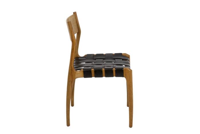 Chaise scandinave, vue de profil
