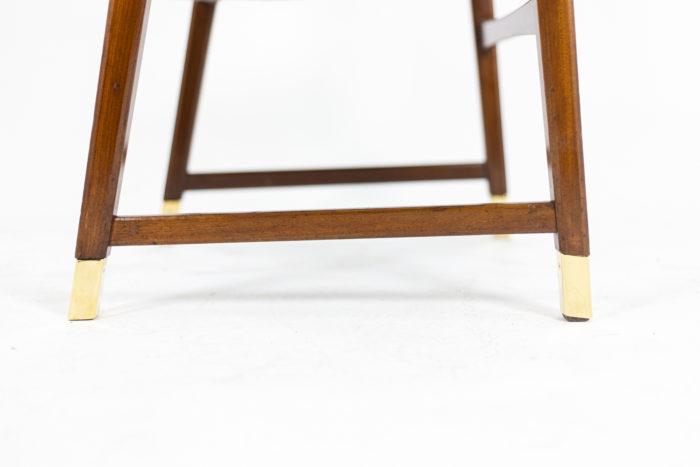 Paire de fauteuils, détail pieds