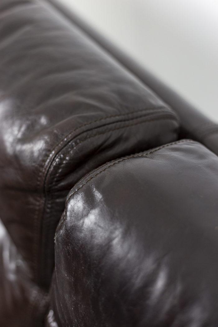 Canapé cuir, détail 2