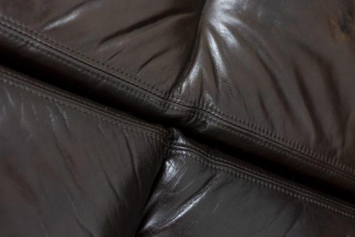 Canapé cuir, détail 3