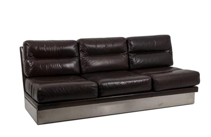 Canapé cuir, vu d'ensemble 1
