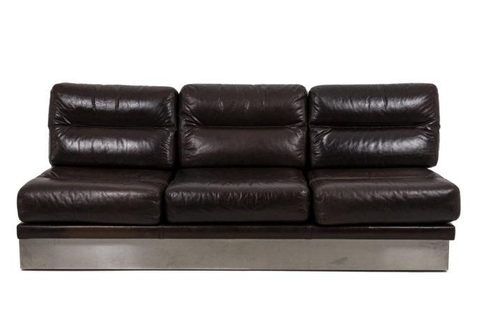 Canapé cuir, vu d'ensemble
