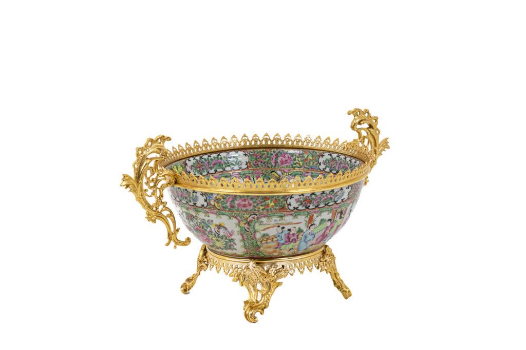 Cup in Canton porcelain and gilt bronze, circa 1880