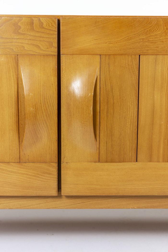 Maison Regain, Enfilade trois portes en orme, détail portes et poignées