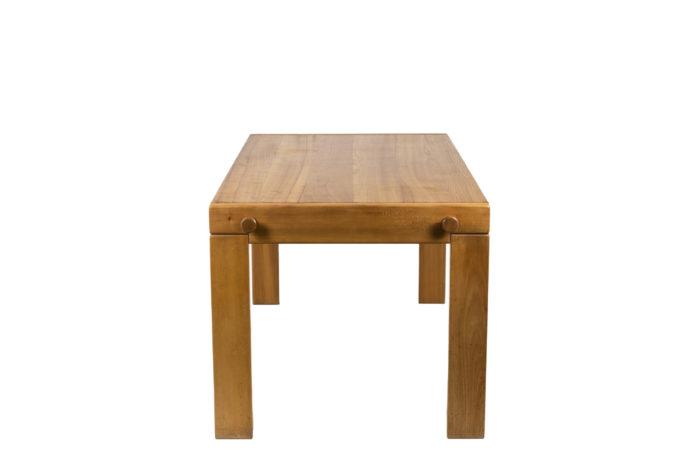 Maison Regain, table à manger en orme, vue de profil