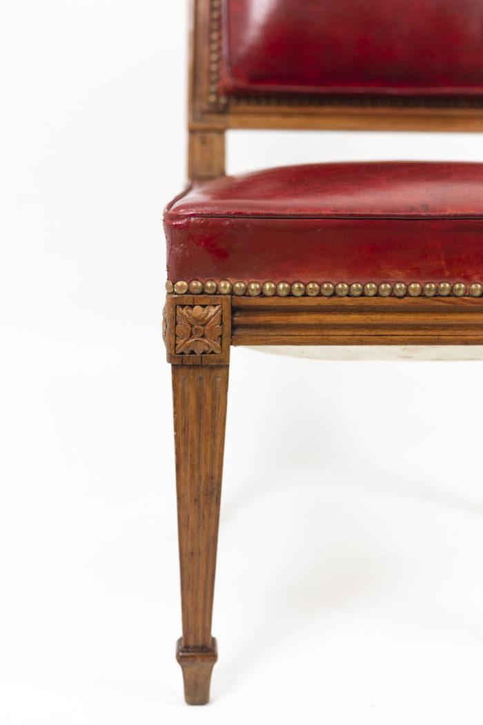 Chaise en bois et cuir, époque Louis XVI, détails 2