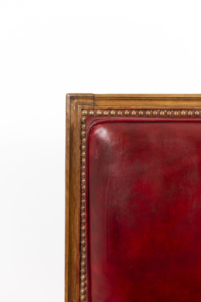 Series of three chairs in wood and leather 5
