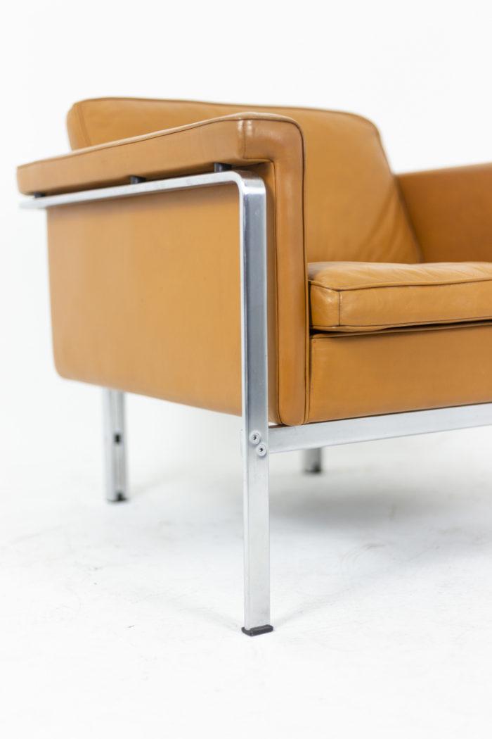 Horst Brüning, Fauteuil en cuir orange, détails 1