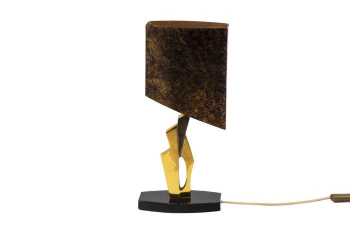 Lampe en bronze et patine médaille, de face