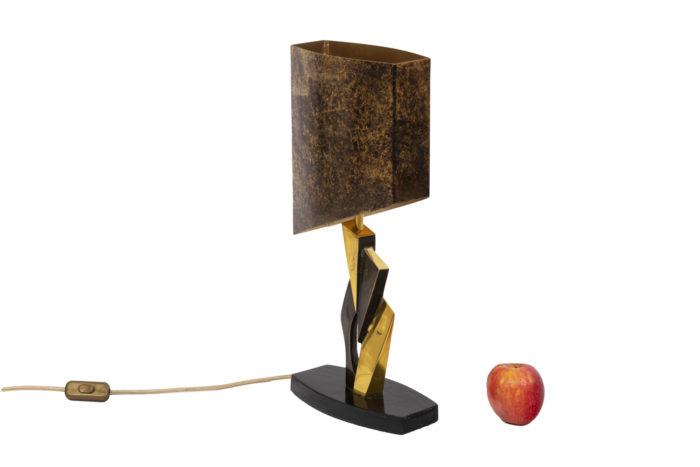 Lampe en bronze et patine médaille, vue d'ensemble