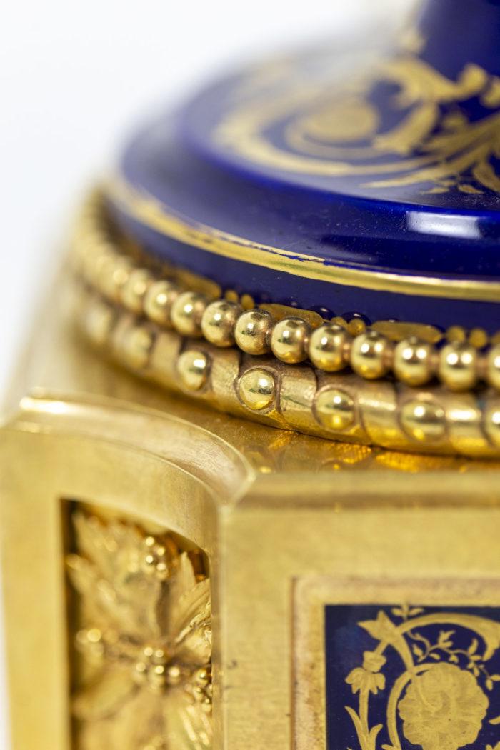 Lampe en porcelaine de Sèvres, détails 10