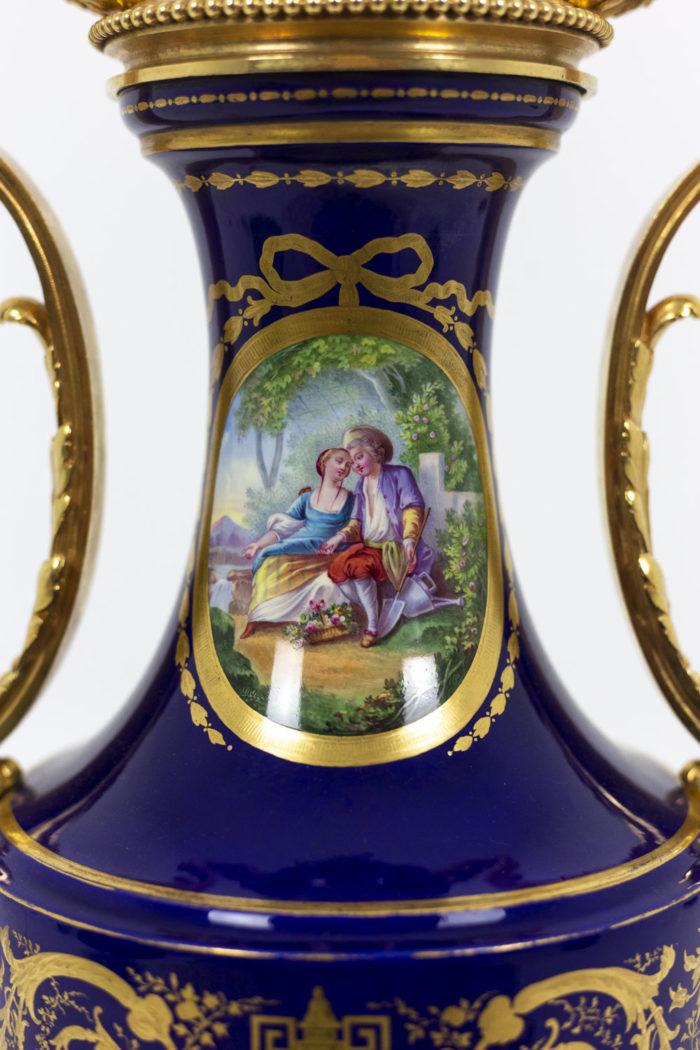 Lampe en porcelaine de Sèvres, détails 2