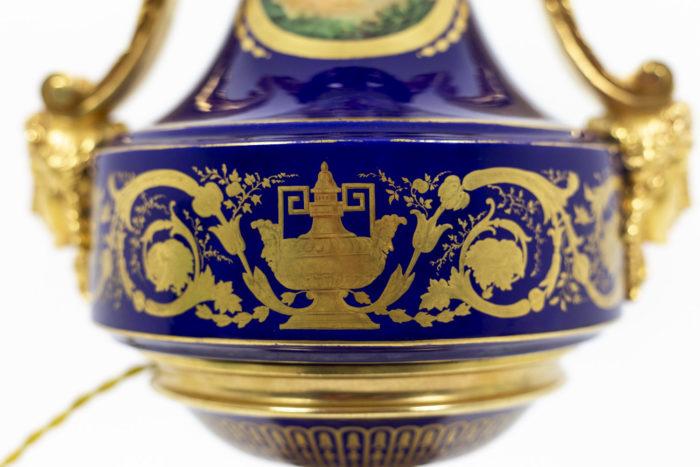 Lampe en porcelaine de Sèvres, détails 3