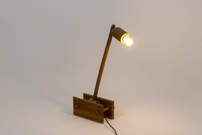 Articulated lamp 10