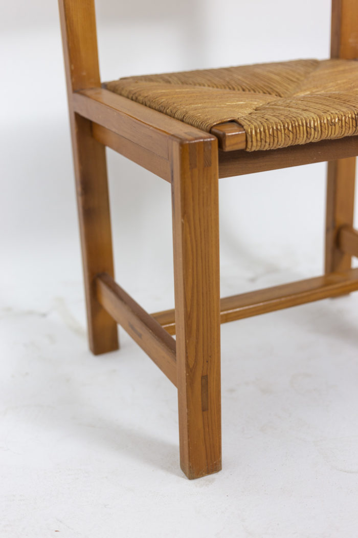 Maison Regain, Series of six chairs in elm and straw 4