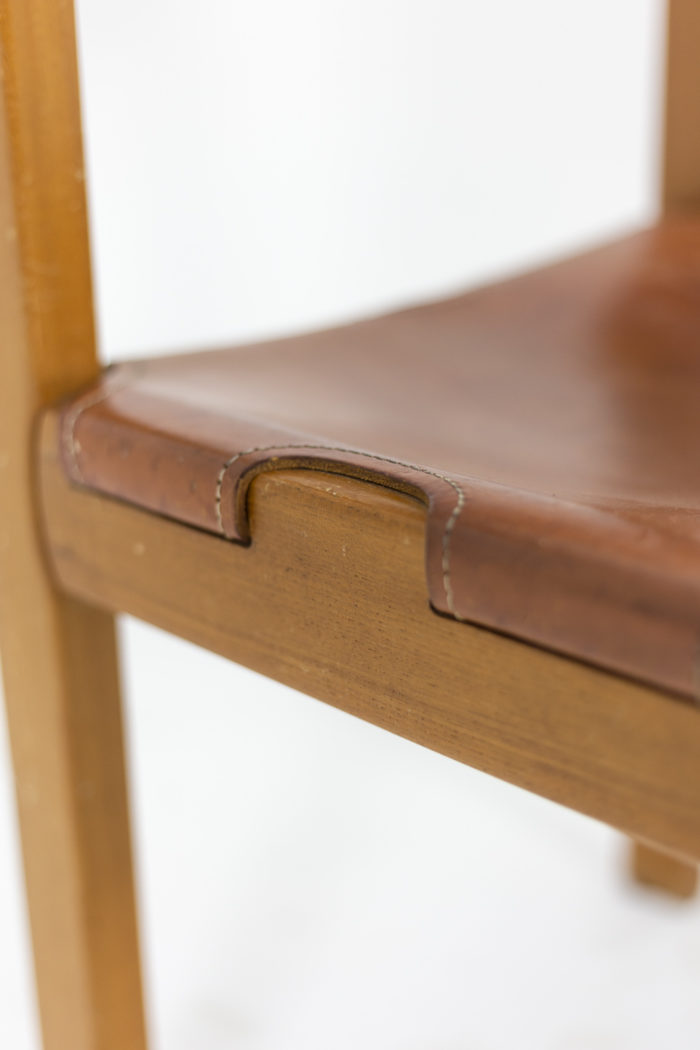 Maison Regain, Series of six chairs in elm and leather 6