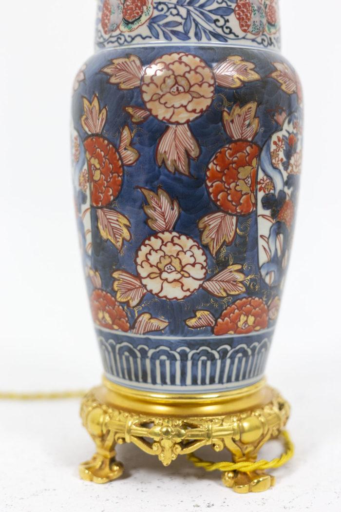 Paire de lampe à décor Imari, détail sur la panse 4
