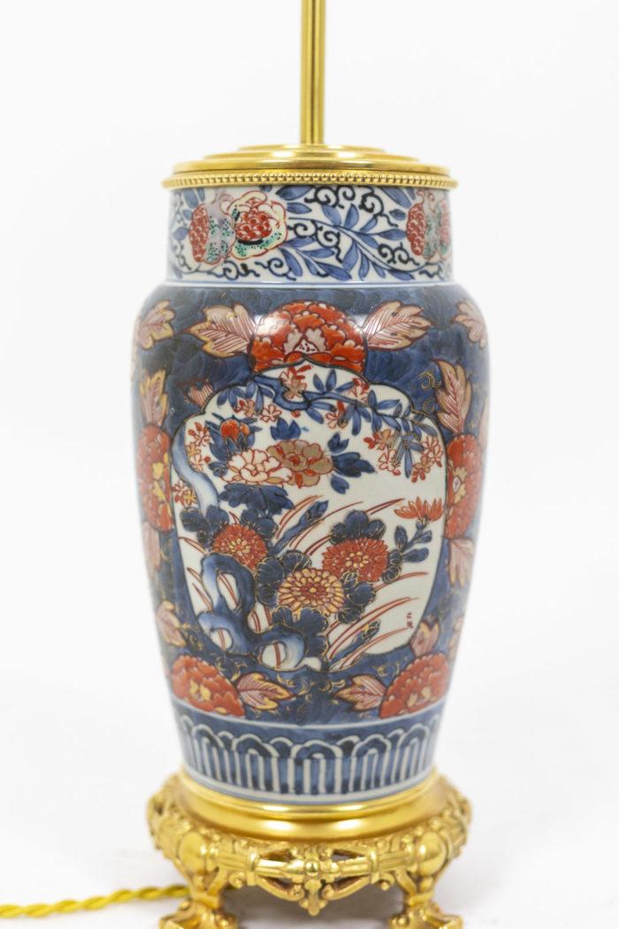 Paire de lampe à décor Imari, détail sur la panse