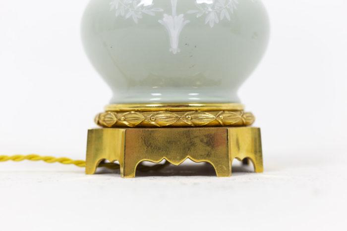 Paire de lampes en porcelaine Céladon, détails bas de la lampe