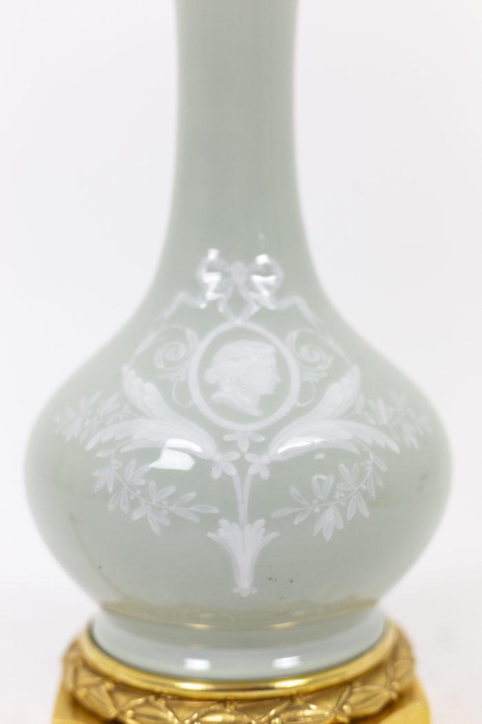 Paire de lampes en porcelaine Céladon, détails panse