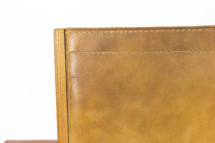 Pierre Chapo, Fauteuil garni de cuir en orme naturel blond, détails 8