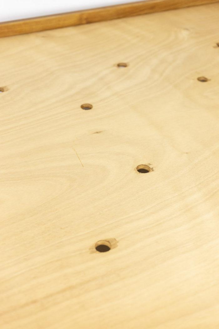 Pierre Chapo, Lit Godot à fond de bois simple en orme nature blond, détails