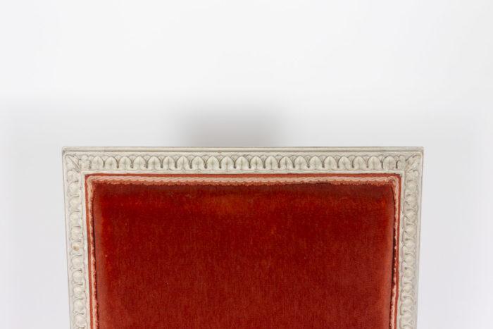 Série de six chaises de style Louis XVI en bois laqué, détails